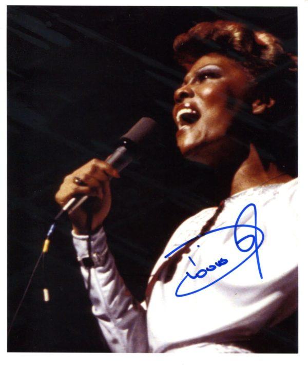 Dionne Warwick Signed Photo
